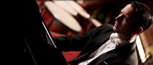 05/01/2015 : EUGENIO MIRA - Blackmail (Grand Piano)