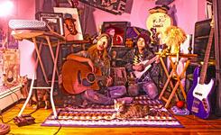 23/10/2015 : DEBRIS OF TITAN - On the Home Slope