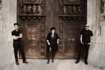 DISCOVER NEW MUSIC TROUBLE FAIT