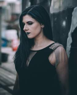 10/01/2020 : EVA - X - An Interview With Synthpop Act EVA - X