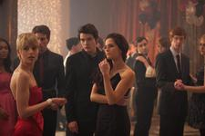 30/06/2014 : MARK WATERS - Vampire Academy