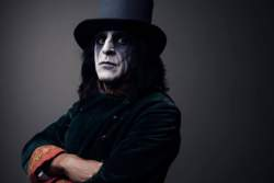 29/06/2019 : JAZ COLEMAN (KILLING JOKE) - 'The best way to write music is to forget about music.'