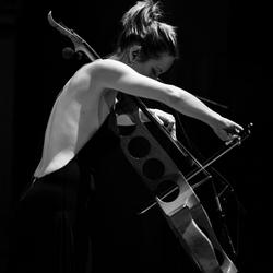 14/01/2016 : JO QUAIL - My new album 'Five Incantations' pushes the boundaries of looping technology and/or my ability in live performance.