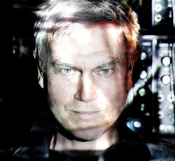 29/02/2012 : JOHN FOXX AND THE MATHS - Nostalgia doesn't interest me