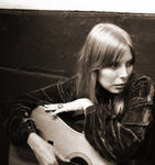 08/04/2015 : JONI MITCHELL - Refuge Of The Roads