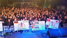 09/12/2016 : LACRIMOSA + CANTERRA - Roeselare, Kerelsplein (27/02/16)