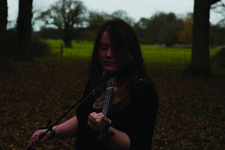 20/09/2015 : LAURA CANNELL - Beneath Swooping Talons