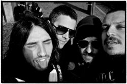 22/07/2011 : LENTO - We really don't care a lot about music business. We just try to make our way and be sincere in what we do.