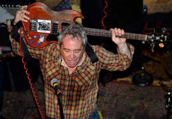 01/11/2019 : MIKE WATT(JUMPSTARTED PLOWHARDS) - In a way, the project is a total collaboration!
