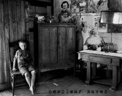 08/06/2011 : NEWCLEAR WAVES - ALESSANDRO | from MANNEQUIN RECORDS | Life's a cycle. And music is part of life. At least mine.