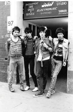 10/02/2020 : NICKY GARRATT (UK SUBS, HEDERSLEBEN): PART II - 'In punk, I found the vehicle for skepticism.' (Interview Part 1)