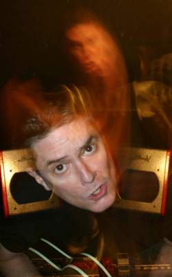 22/11/2018 : PAUL LEARY (THE COCKY BITCHES,BUTTHOLE SURFERS) - 'My mind has a jukebox that I cannot unplug.'