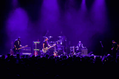 PETER HOOK & THE LIGHT Playing Substance by New Order / Playing Substance by Joy Division @ Het Depot - Leuven - B - 27.01.2017