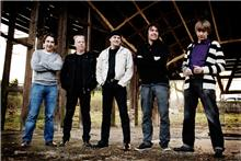 30/05/2011 : PORTRAIT BIZARRE - By the way : did Joy Division sound 'cold' ?
