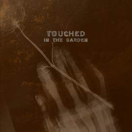 16/08/2015 : ROSSETTI'S COMPASS & SUDETEN CRECHE - Touched in the Garden