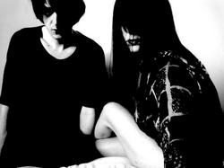 07/01/2016 : SCHONWALD - Through icy synth lines, throbbing beats and twisted guitar work, we offer a moody look into the darker side of shoegaze.