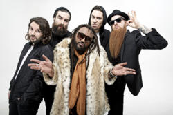 11/10/2015 : SKINDRED - We wanted to sound naturally with much riffs and that's how we prefer to play live too