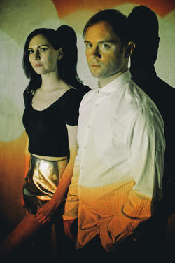 28/03/2014 : SOFT METALS - Electronic Romance in the Shadow