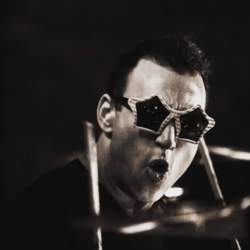 26/03/2019 : STEPHEN PERKINS(JANE'S ADDICTION, PORNO FOR PYROS, SUMMER MOON) - 'Today, we can play with tomorrow!'