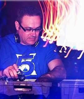NICK MERTENS (DJ)