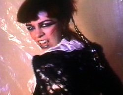 05/03/2013 : TERROR BIRD - Despite what anyone says, Siouxie Sioux is not an influence! I swear!