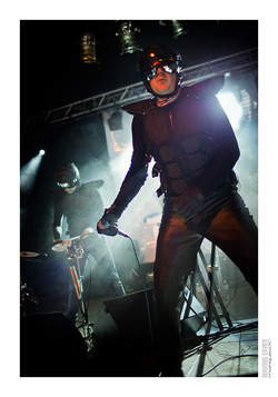 05/07/2016 : THE JUGGERNAUTS - Funny that apparently only bands as Front 242, NEB and Skinny Puppy tend to created clones? What about the zillion of Beatles/Smiths/Joy Division/etc. sounding bands out there? Oh right, they are 'just' inspired!
