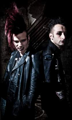06/08/2017 : THE MESCALINE BABIES - 'I love Christian death, but their first album is nearly 40 years old, we should try to evolve the concept.'