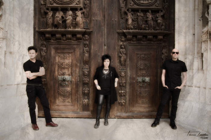 08/12/2016 : DISCOVER NEW MUSIC - TROUBLE FAIT
