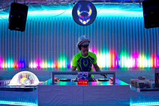 25/02/2014 : DJ PETE UNTITLED - The DJ-files: Pete Untitled