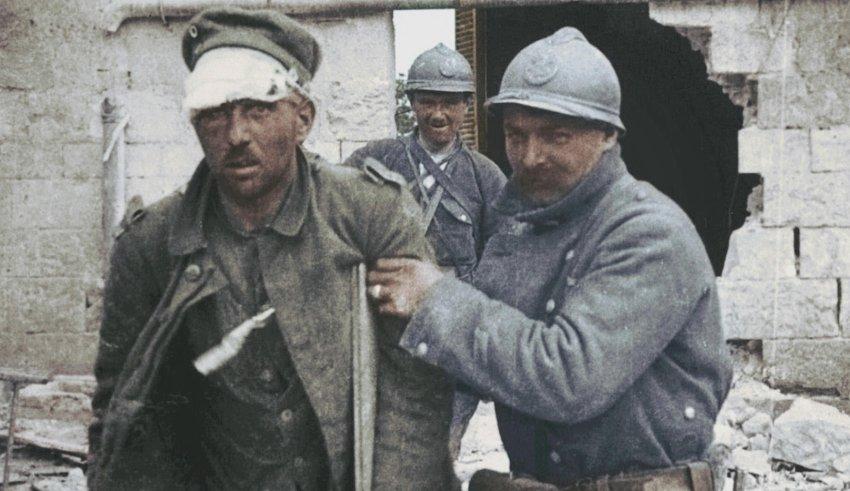 APOCALYPSE-WORLD WAR 1 • Documentary REVIEW [EN,NL] • Peek-A-Boo Magazine
