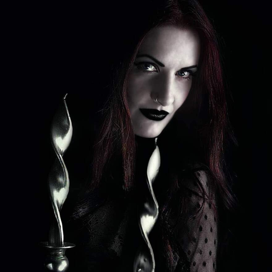 NEWS Gothic Singer ELLE NOIR Reveals Her New Video,'The Day I Died'