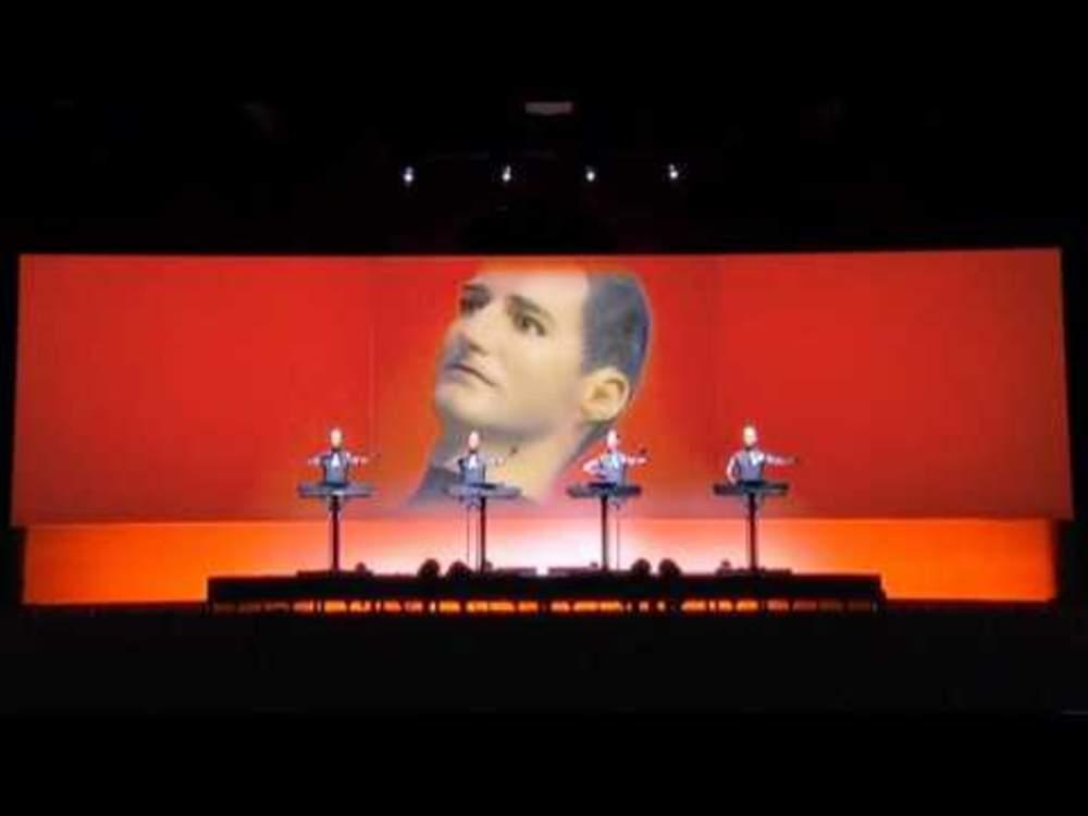 1452 The Robots (Live, 2004)