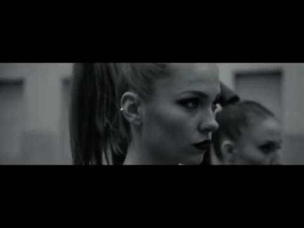 5313 N'Écoutez Pas Tous Les Conseils De Vos Amis (Official Music Video)
