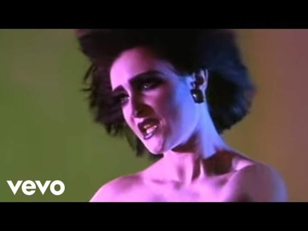 5557 Siouxsie And The Banshees - Candyman (Official Music Video)