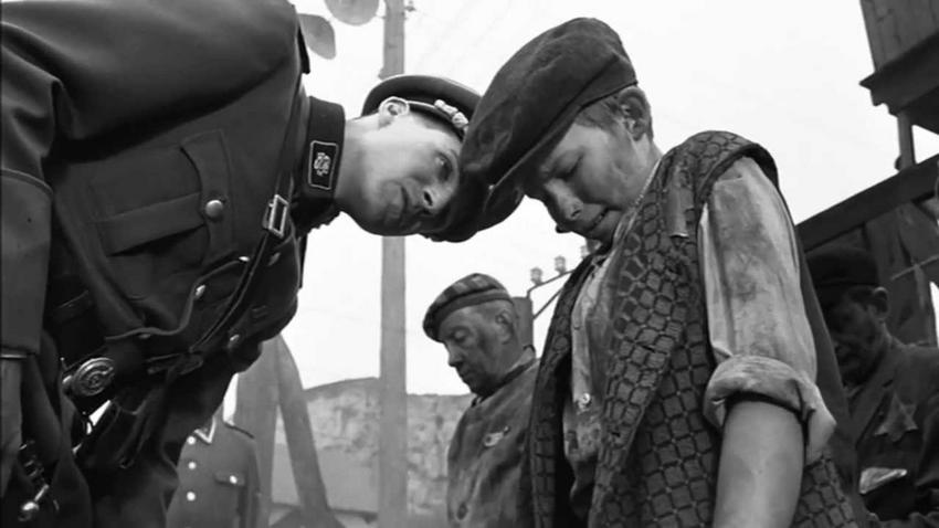 a movie analysis of schindlers list by steven spielberg While working on the movie hook (1991), spielberg picked up the schindler's  and schindler's list steven spielberg refused to accept any money for directing .