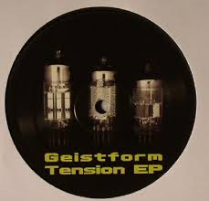 05/11/2015 : GEISTFORM - Tension
