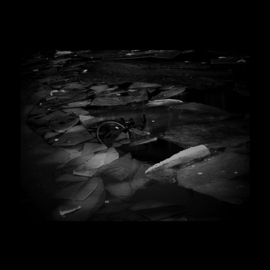 25/09/2011 : TREMBLING BLUE STARS - Correspondence EP