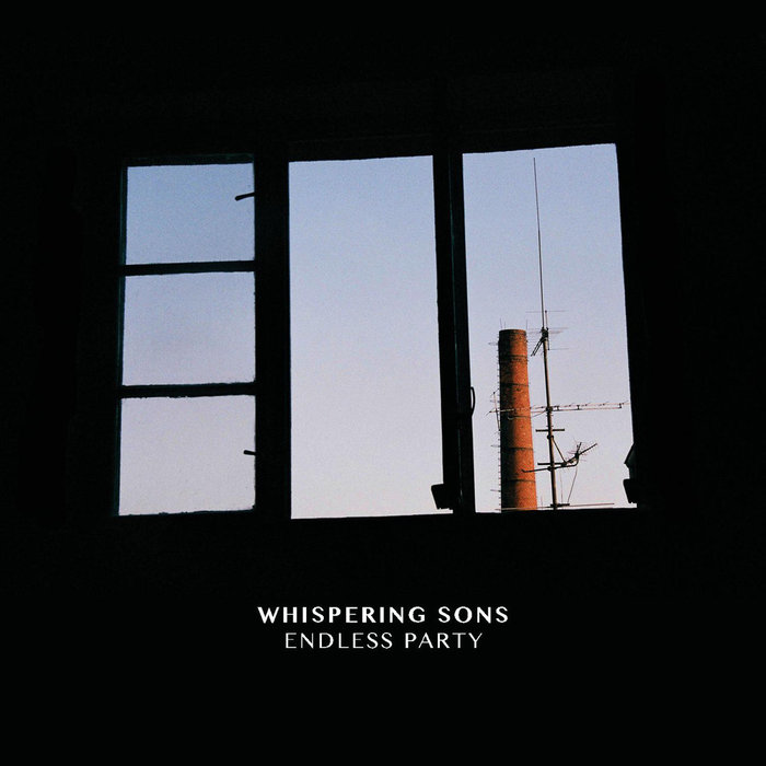 22/12/2015 : WHISPERING SONS - Endless Party